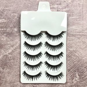 Synthetic false eyelash strips for makeup-natural